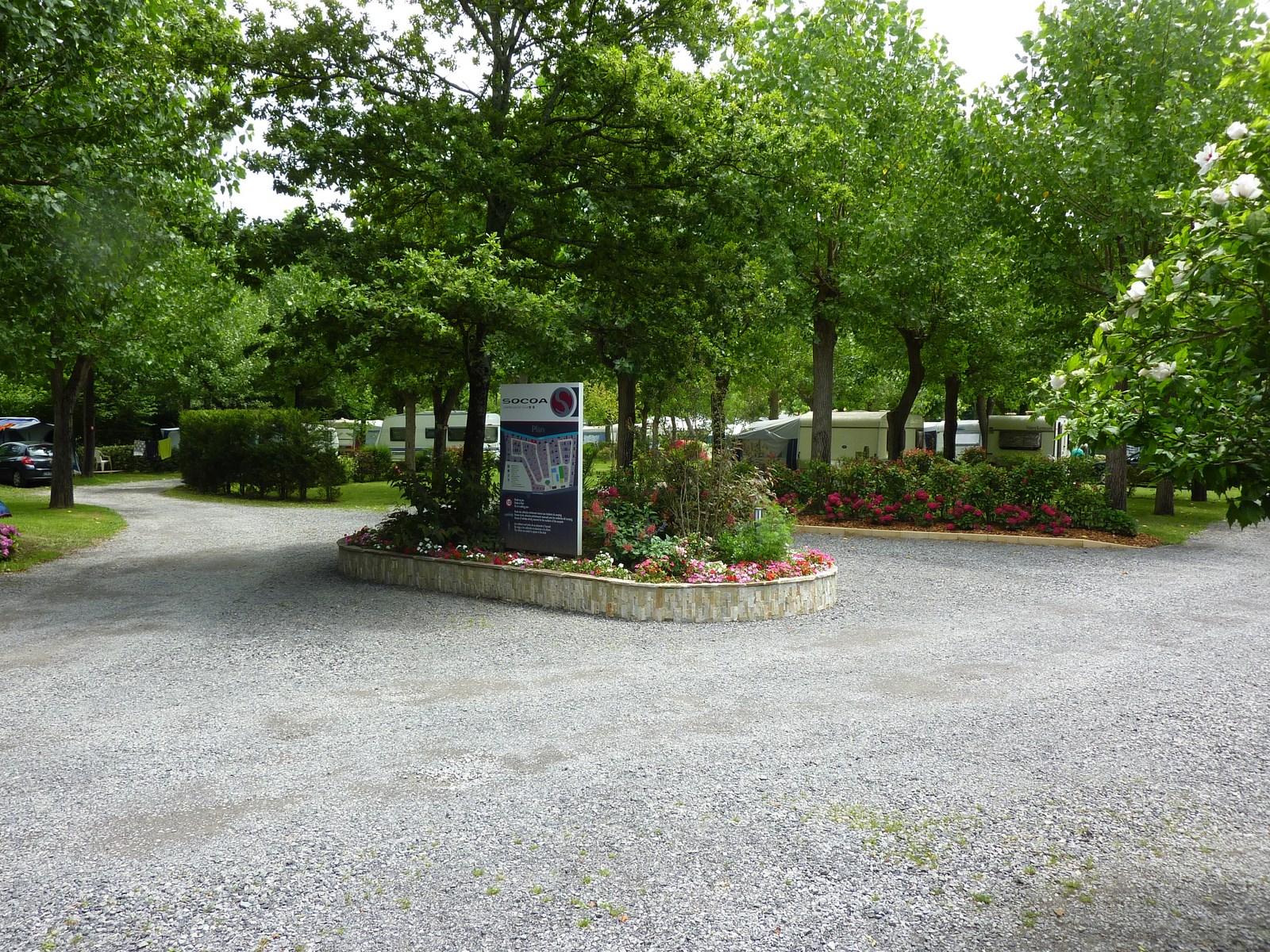 camping-untxin-socoa-terrain-parking